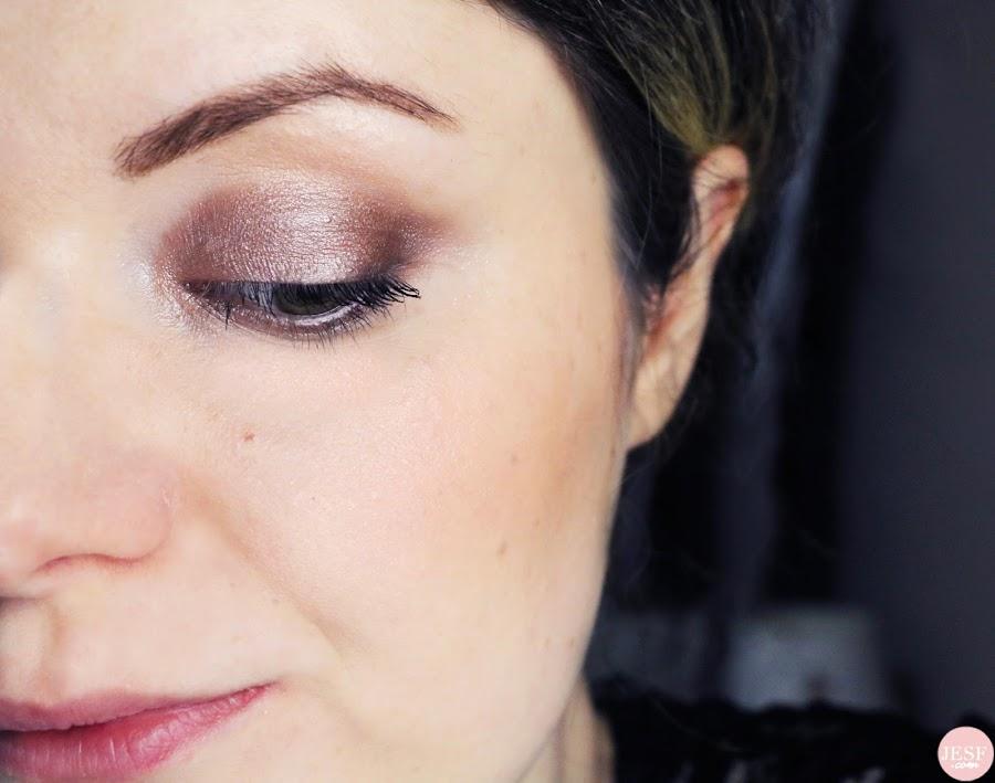 avis-glow-face-palette-becca-chrissy-teigen-makeup
